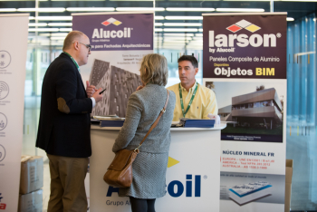 1-Stand-Alucoil-4-Congreso-Edificios-Energia-Casi-Nula