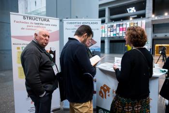 Stands-Networking-Cafe-17-5-Congreso-Edificios-Energia-Casi-Nula-2018
