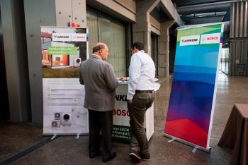 Stands-Networking-Comida-1-5-Congreso-Edificios-Energia-Casi-Nula-2018