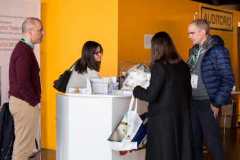 Stands-Networking-Comida-11-5-Congreso-Edificios-Energia-Casi-Nula-2018
