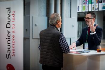 Stands-Networking-Comida-12-5-Congreso-Edificios-Energia-Casi-Nula-2018