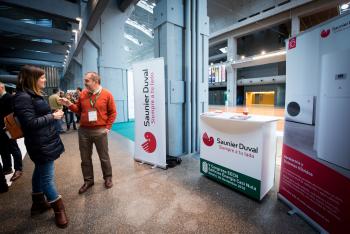 Stands-Networking-Comida-7-5-Congreso-Edificios-Energia-Casi-Nula-2018