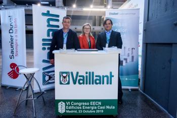 Stand-Vaillant-2-6-Congreso-Edificios-Energia-Casi-Nula-2019