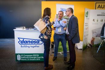 Stands-Comida-Networking-2-6-Congreso-Edificios-Energia-Casi-Nula-2019