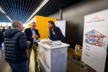 Stands-Comida-Networking-4-6-Congreso-Edificios-Energia-Casi-Nula-2019