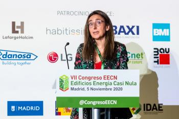 100-10-Mesa-Redonda-Moderadora-Monica-Calvo-7-Congreso-Edificios-Energia-Casi-Nula-2020