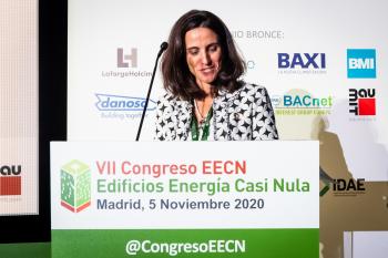 120-12-Mesa-Redonda-Moderadora-Isabel-Alonso-7-Congreso-Edificios-Energia-Casi-Nula-2020